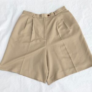 Ladies Talbots pleated front brown shorts size 12